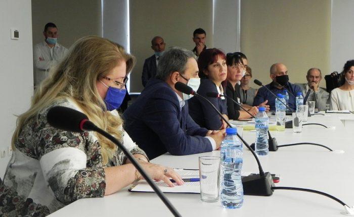 Проектът обединява усилията на научните среди и бизнеса, заяви проф. д-р Пламен Моллов, ректор на УХТ